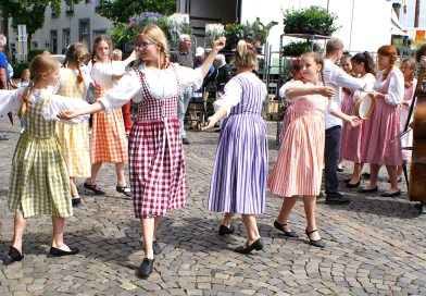 Singing and Dancing in Meerssen