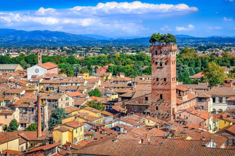 Toscana, Lucca vista panoramica sui tetti