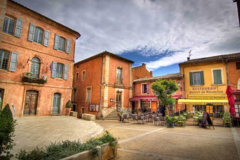 Piazza di Roussillon