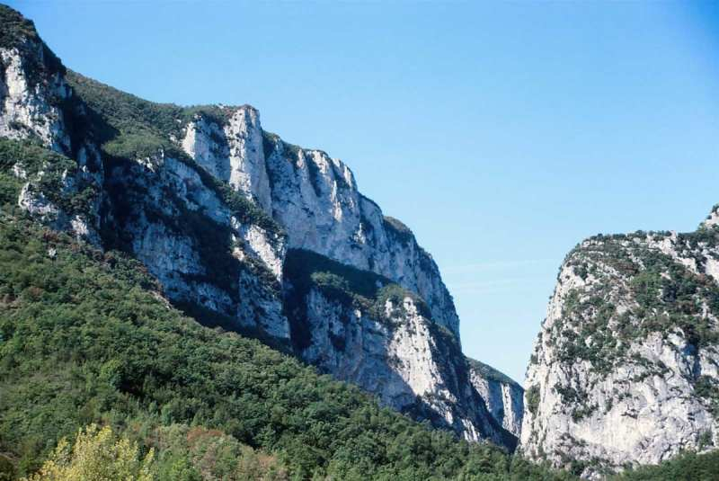 Frasassi Caves - exterior