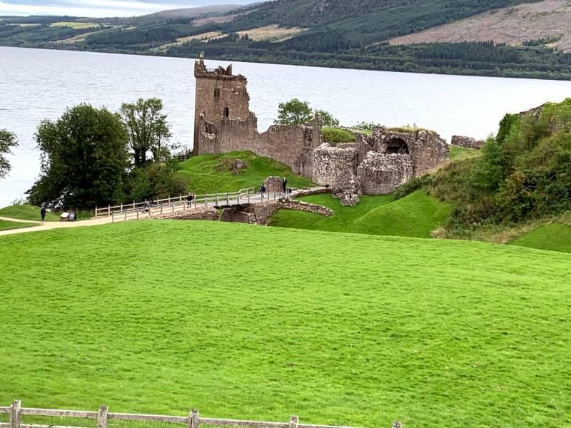 Urqhart Castle Lake Lochness