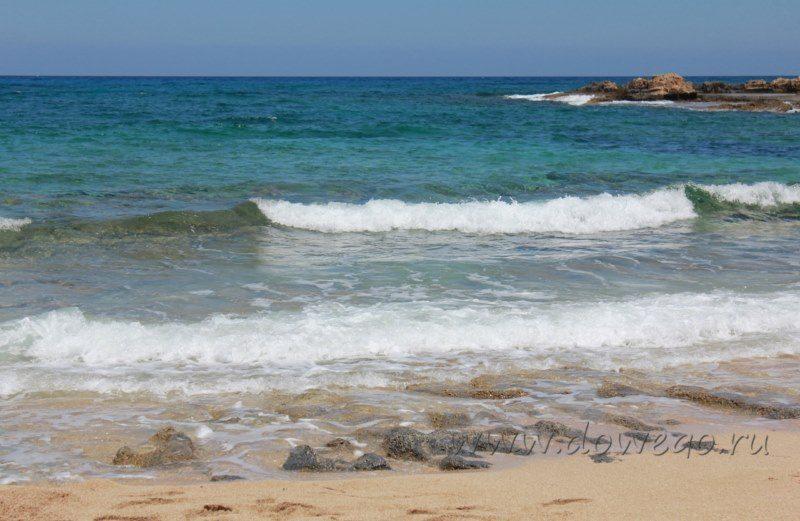 Ջրում հայտնված երեխային փրկելու համար  10 անհետ կորածների հարազատները եկել են «մահվան լողափ»՝ հույսով, որ ծովը ափ կհանի մարմինները