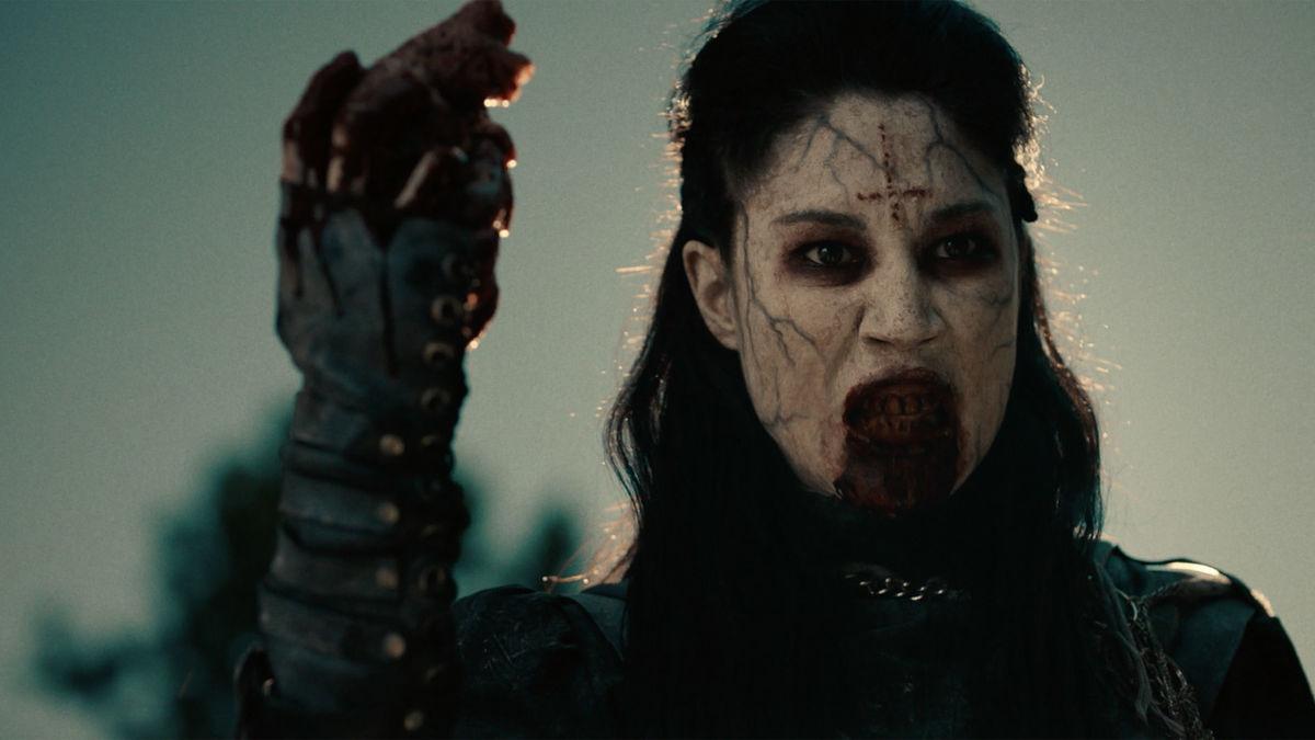 Jennifer Cheon as Ivory in Van Helsing Season 3 Episode 7