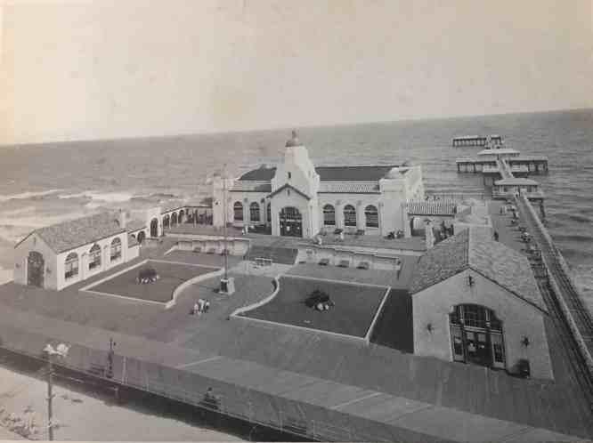 Ventnor Pier & Boardwalk