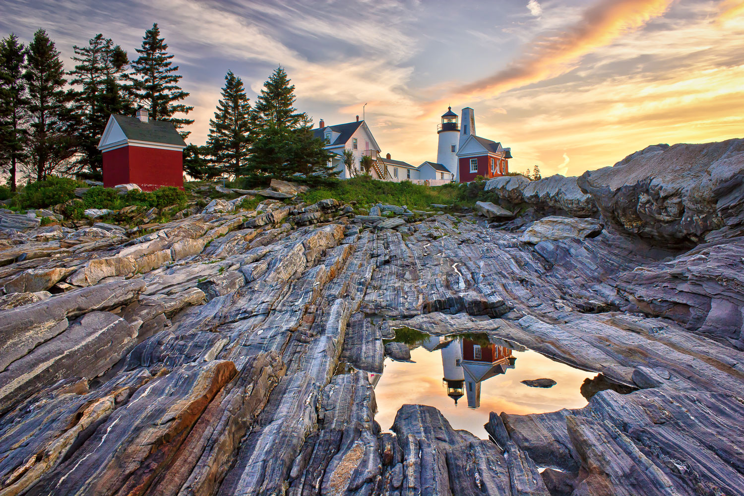 Pemaquid-Lighthouse-Reflection