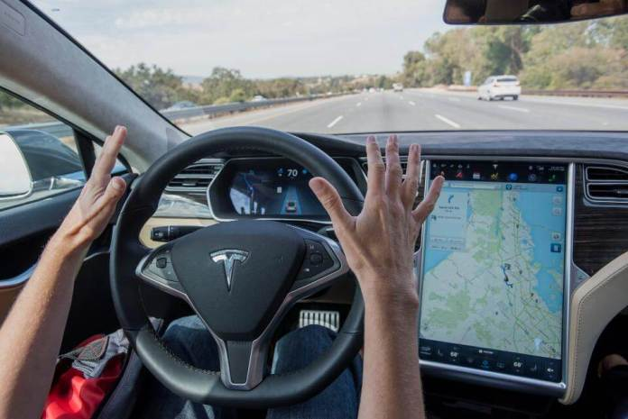 tesla autonomous car run with artificial intelligence