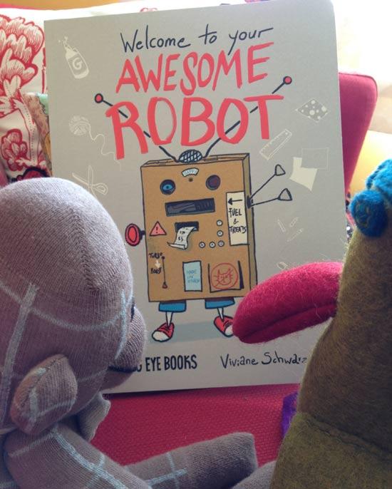 "Viviane Schwarz ""Awesome Robot"""