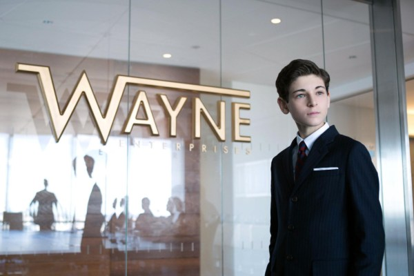 "David Mazouz as the young Bruce Watyne in Gotham's ""The Blind Fortune Teller"""