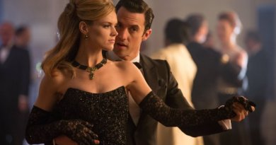 """Erin Richards and Milo Ventimiglia in the Gotham episode """"Under the Knife"""""""