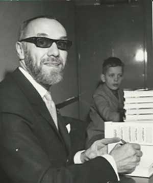 Sven Hassel and his son, Michael in 1965. Image courtesy Orion