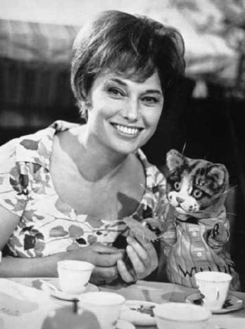 Muriel Young and Pussy Cat Willum, the undisputed star of Rediffusion's Small Time.