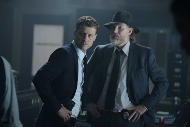 Gotham_S2_04_Strike-Force_04