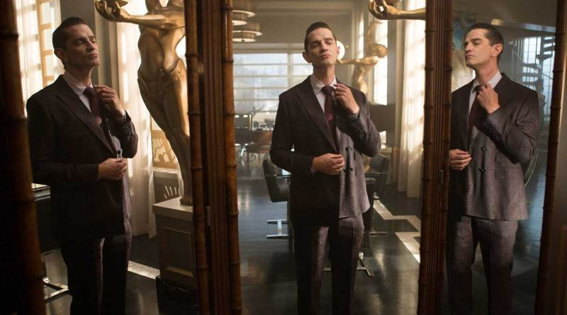 "James Frain as Theo Galavan in the Gotham Season 2 episode ""Mommy's Little Monster"""
