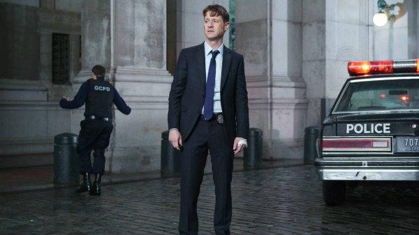 Gotham Season 2 Episode 9: A Bitter Pill To Swallow