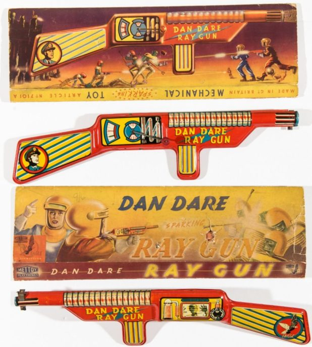 A rare Dan Dare Ray Gun (1953) Mettoy. With original box.
