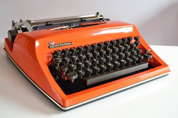 Chris is trying out this 1970s Adler Contessa for his #ironwriter challenge in aid of Autumn Star