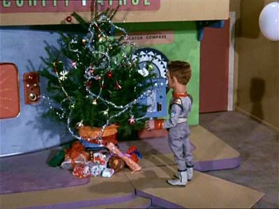 "A scene from the Stingray episode ""A Christmas to Remember"""