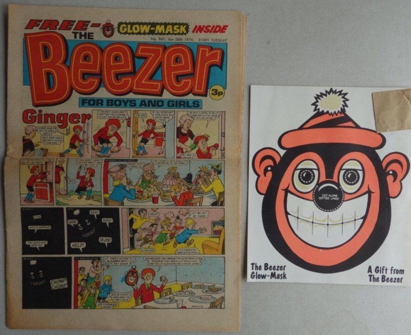 Beezer comic Issue 941 - cover dated 26th January 1974, with its Glow-Mask free gift