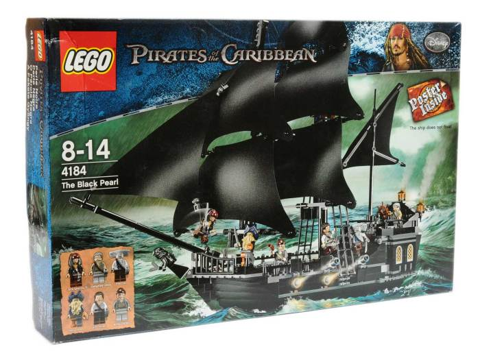 Lego 4184 Pirates of the Caribbean The Black Pearl - vendors states complete apart from missing poster, box opened and built one but contents not checked by Vectis Auctions for completeness - Excellent in Good Plus box.