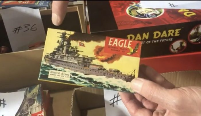 Eagle Plastic Kit of the Admiral Schere