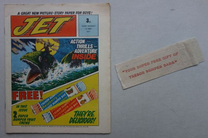 Jet Issue 1 cover dated 1st May 1971, with free gift packet (no sweet!)