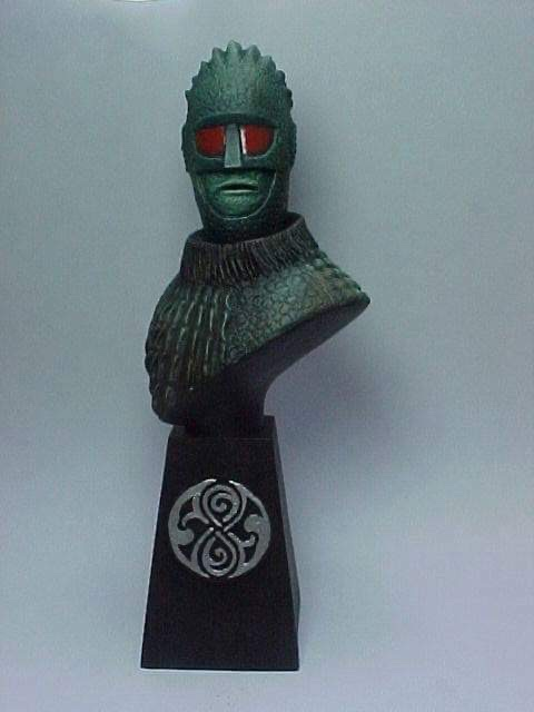 """Doctor Who sculpts by Neil """"Blackbird"""" Sims - Ice Warrior"""