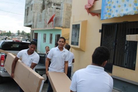 Tia Tatiana student volunteers to the rescue