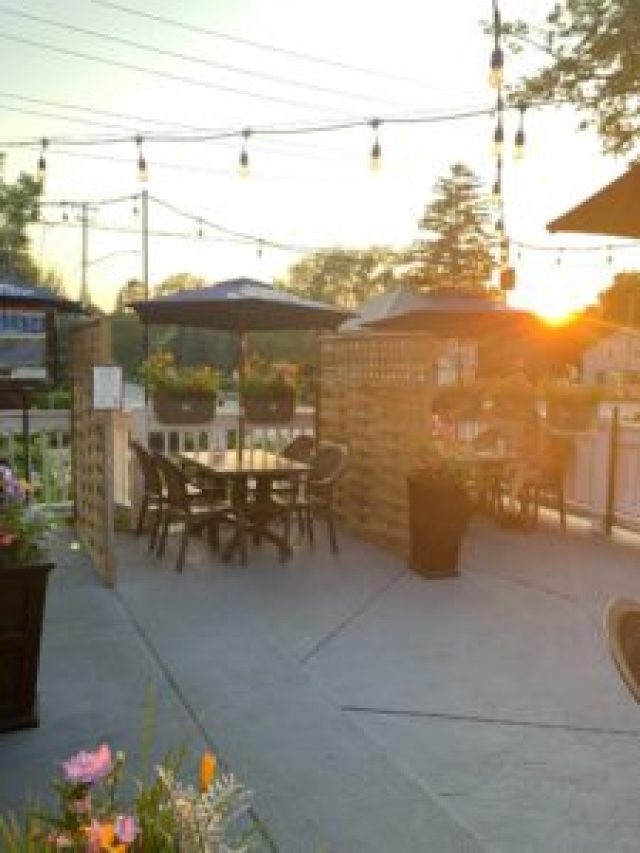 The Old Newcastle House patio in the Village of Newcastle.