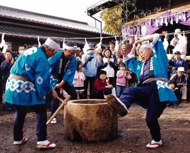 餅つき (mochi-tsuki)