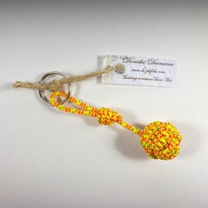 porte clé pomme de touline jaune