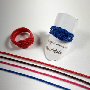 Bague nœud de carrick bleue