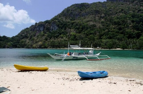 Bocal Island in de Bacuit Bay - El Nido, Palawan, Filipijnen