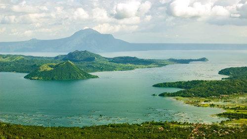Uitzicht op Taal Vulkaan vanaf Tagaytay Ridge - Luzon, Filipijnen