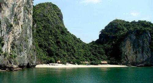 Strandje - Lan Ha Bay, Noord Vietnam