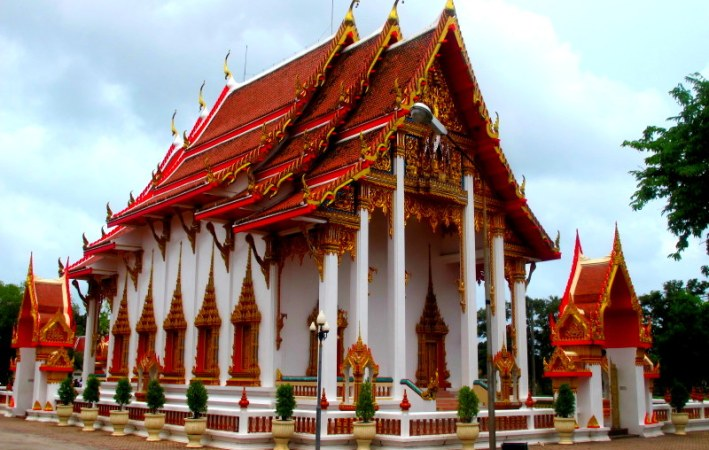 Chalong Temple at Rawai beach