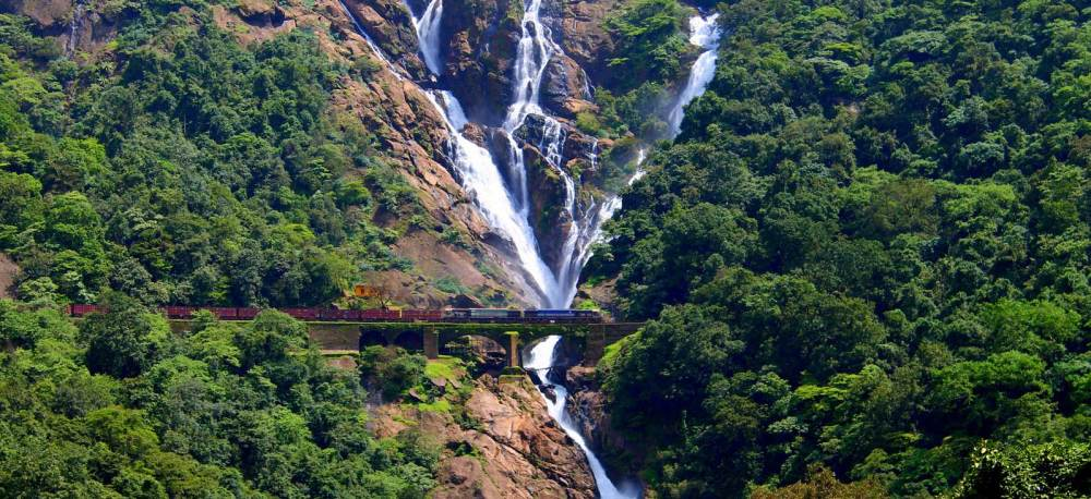 dudhsagar-waterfall-Goa