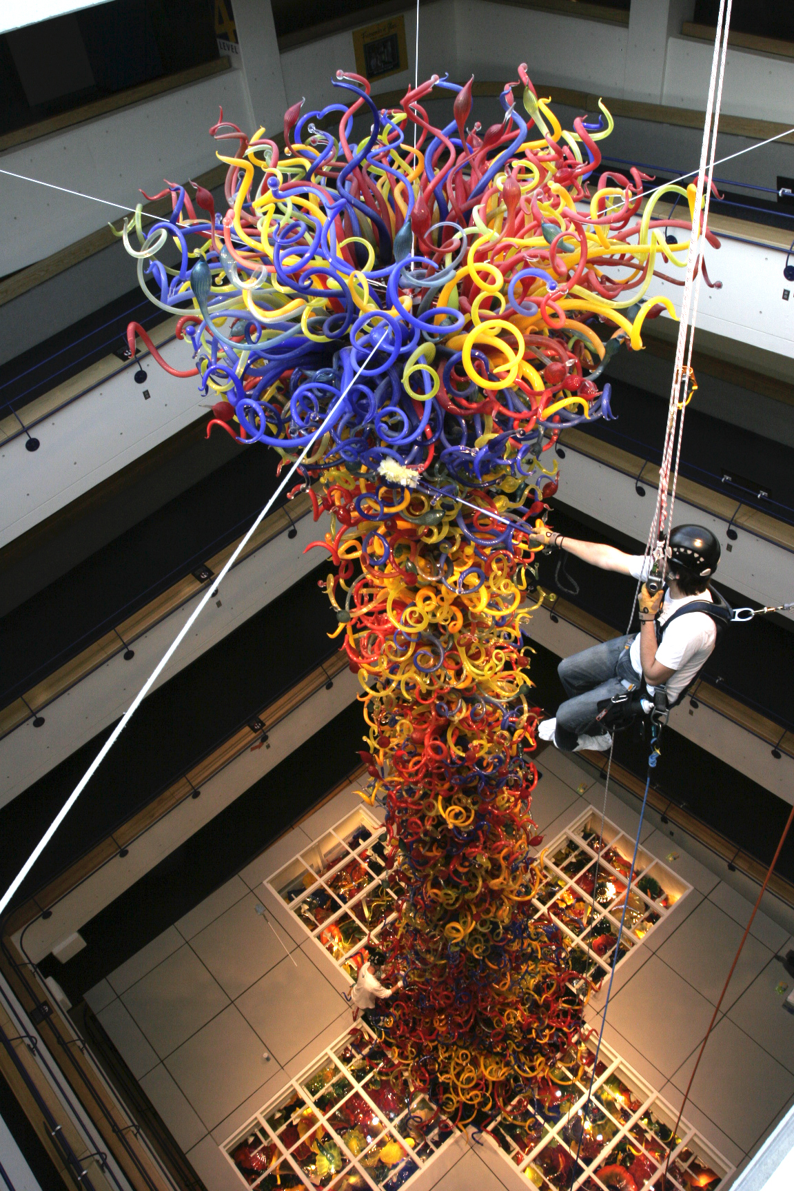 Dale Chihuly, <i>Fireworks of Glass</i>, 2006, Indianapolis Children's Museum, Indianapolis, IN