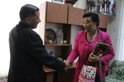 Minister of Indigenous Peoples' Affairs Sydney Allicock greets Secretary General of the Commonwealth of Nations, Baroness Patricia Scotland