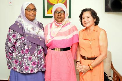 First Lady, Mrs. Sandra Granger, today, was paid a courtesy call by Guyana's CSEC Top Performer, Ms. Fatima Karim and her mother, Mrs. Khadijah Karim