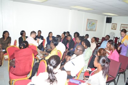 A section of the Public Servants interacting with Professor Nelson Hernan Giraldo Sanguino at the orientation session of the Ministry of Foreign Affairs' Spanish course