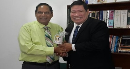 Prime Minister Moses Nagamootoo and Mexican Ambassador to Guyana, Ivan Roberto Sierra-Medel.