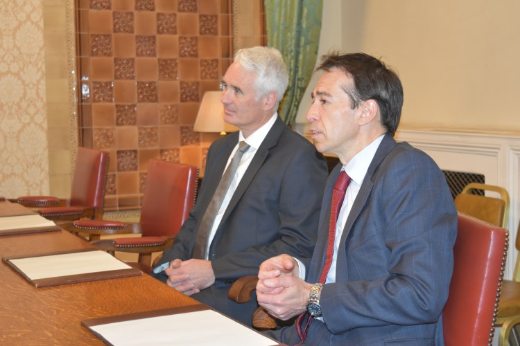 CZARNIKOW's Chief Executive Officer, Mr. Robin Cave (left) and Associate Director, Mr. John Ireland (right) during the meeting