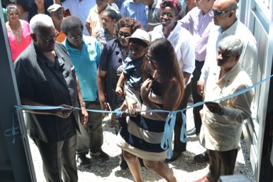 Minister of Agriculture, Noel Holder at the ribbon cutting