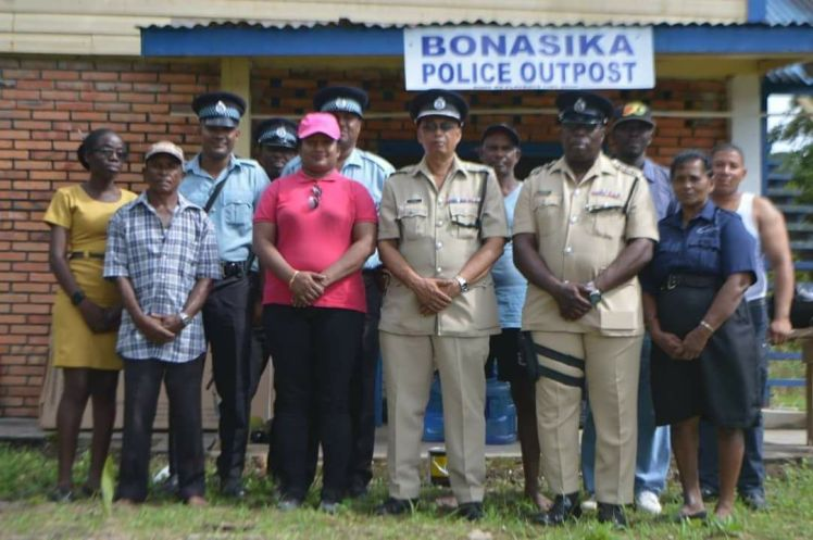 Divisional Commander 'D' Division Senior Superintendent Rishi Das along with Deputy Superintendent Patrick Todd and other ranks (Image courtesy of Regional Information Officer Ganesh Manipaul)