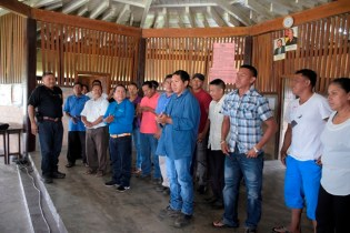 Minister of Indigenous Peoples' Affairs, Sydney Allicock addressing the new Annai Village Council.