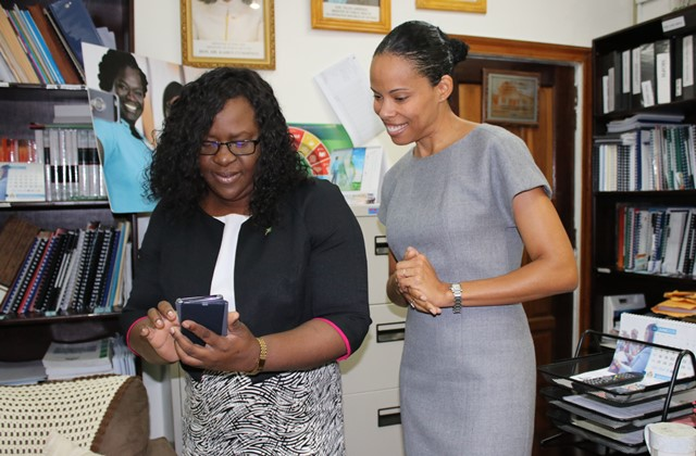 Dr Kaern Cummings and Ms Mausha Hutton, HCC Executive Director.
