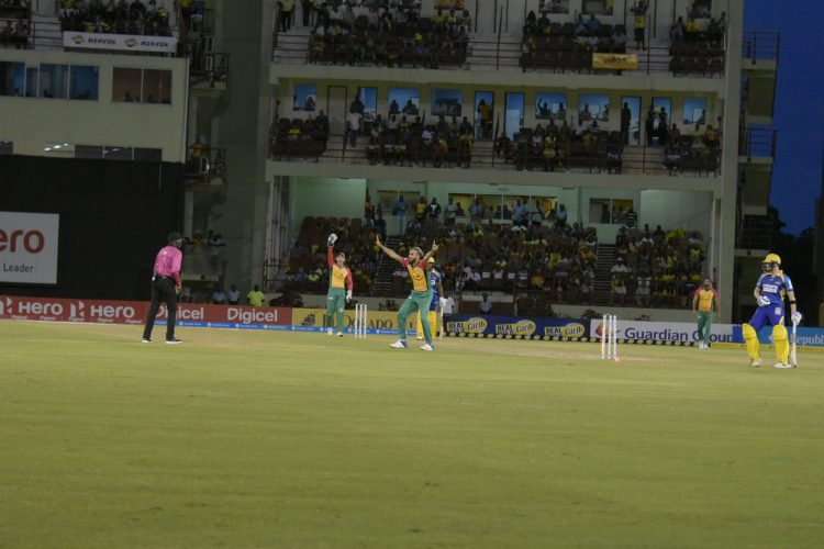 Imran Tahir appealing to the umpire for the wicket of Steve Smith