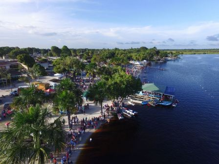 An aerial shot of the Lake Mainstay resort