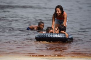 Scenes from the Lake Mainstay Regatta