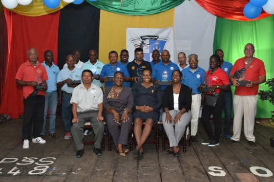 Minister Ferguson, Director General Rogers and other MARAD Staff pose with the honourees.